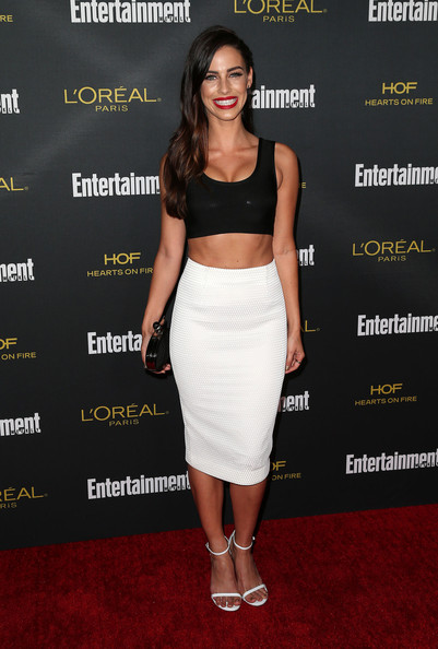 Black pencil skirt and crop top – Modern skirts blog for you